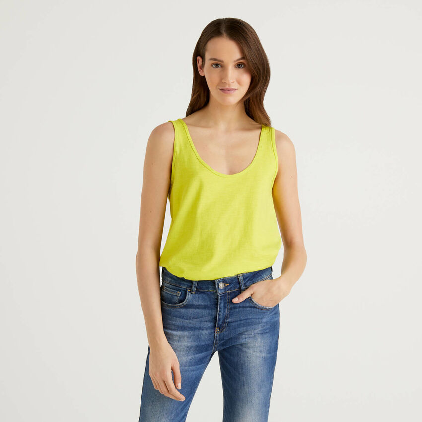 100% cotton tank top with rounded bottom