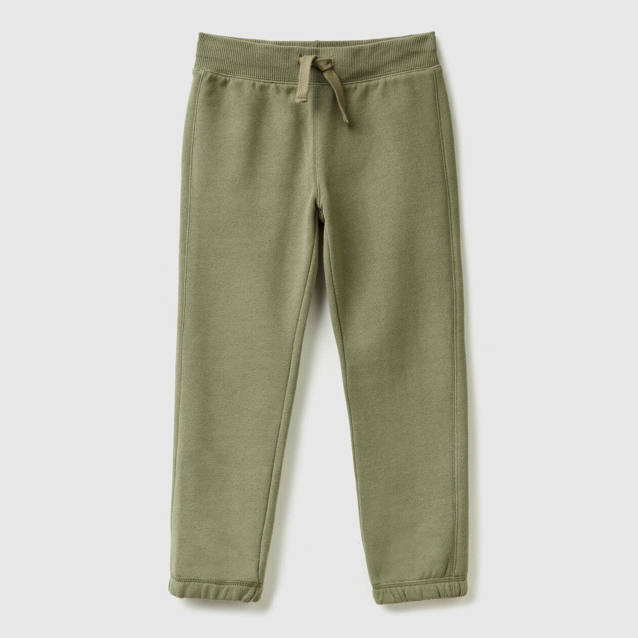 Jogging pants with elastic