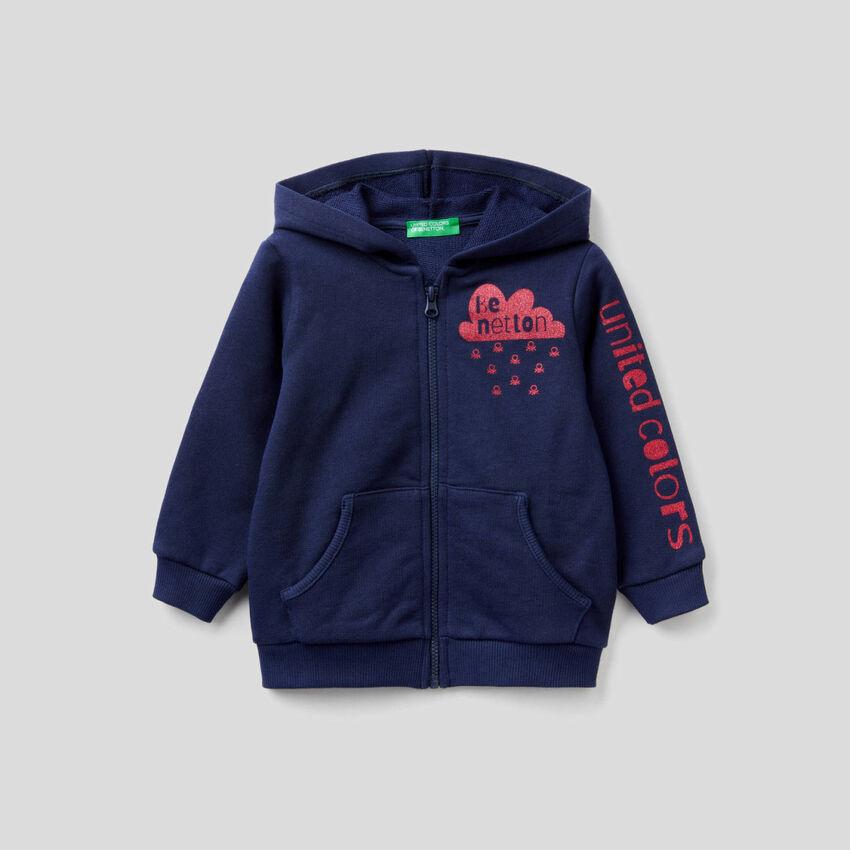 Dark blue sweatshirt with zip and hood