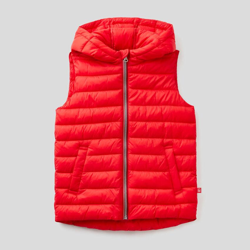 Sleeveless jacket with hood