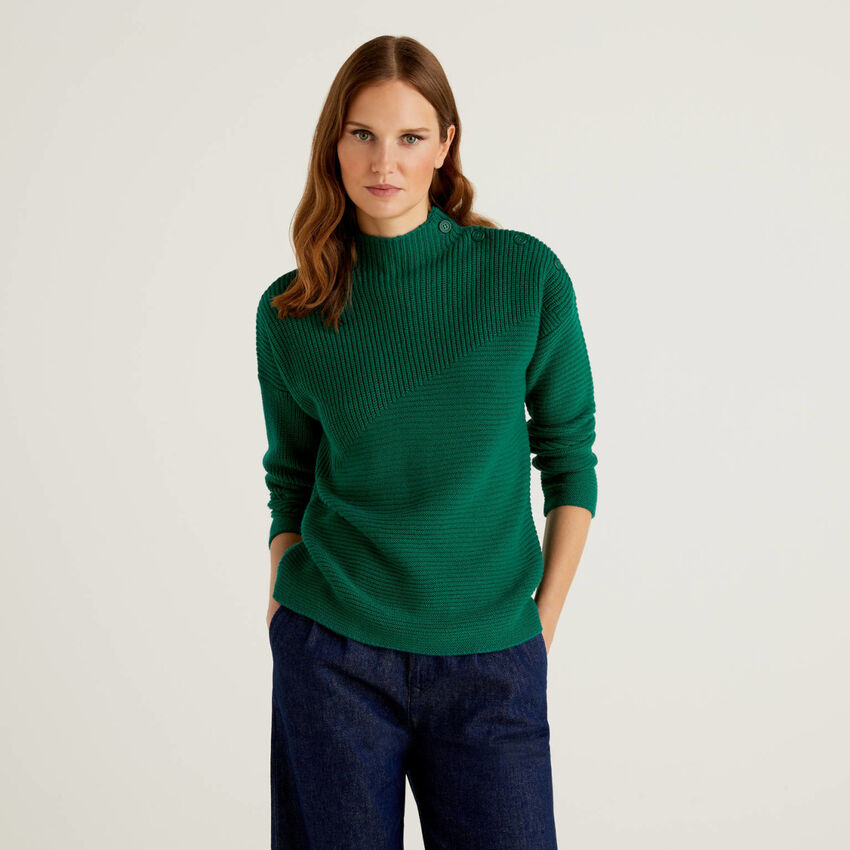 Sweater in wool blend with buttons