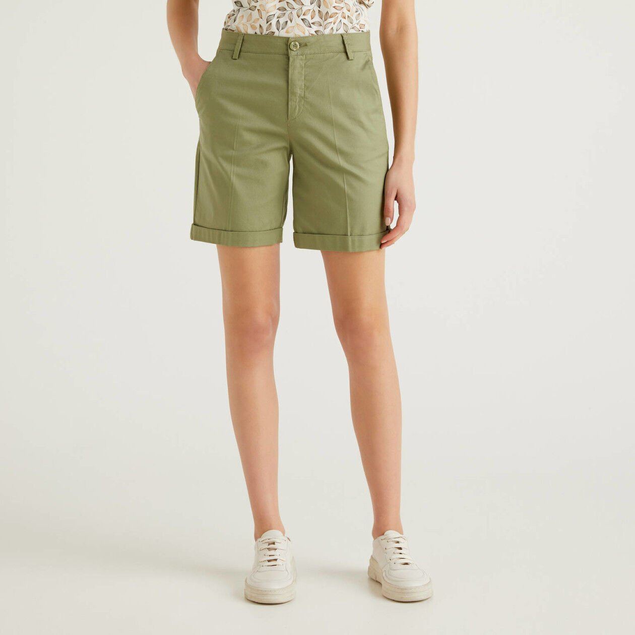 Bermudas in stretch cotton