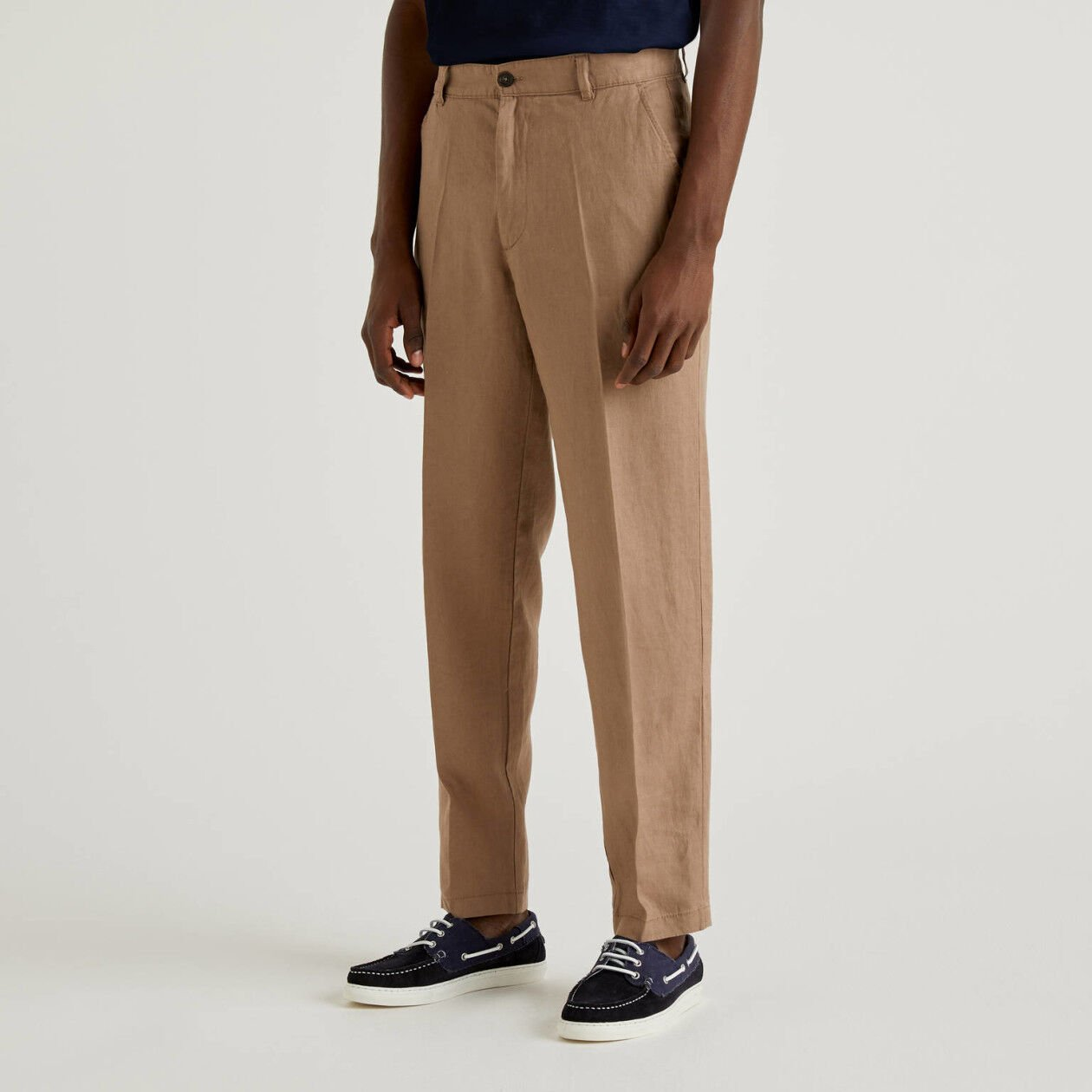 Chinos in pure linen